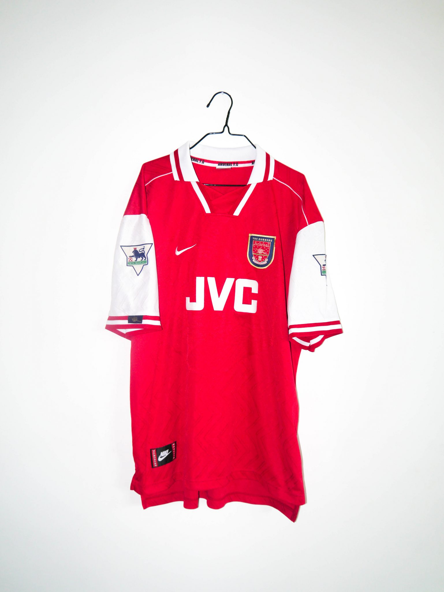 b56cf1fbf Home   Shop   English Clubs   Arsenal   Original 1996 97 Arsenal home jersey   11 OVERMARS – XL