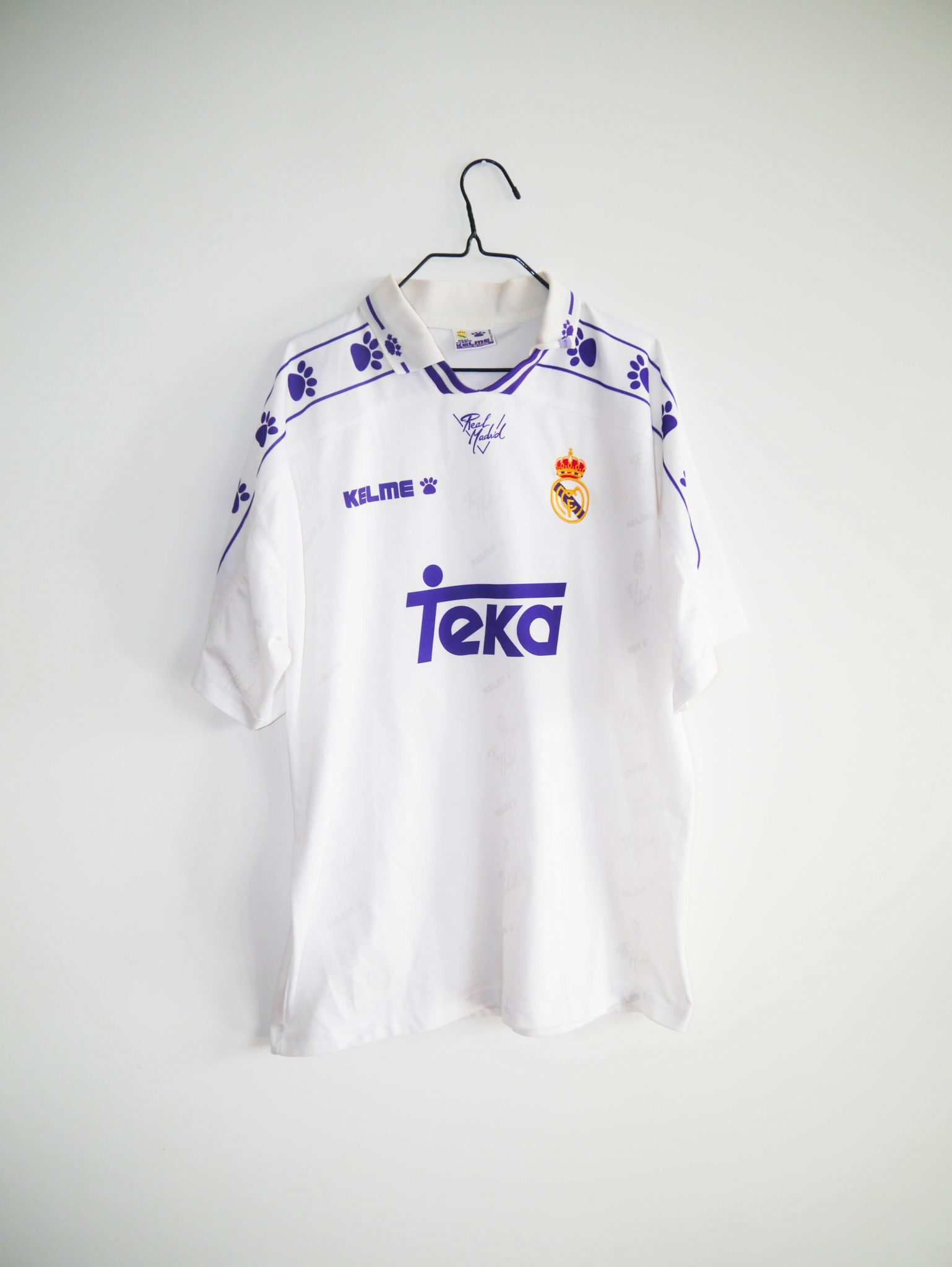 d669f8fb7 Home / Shop / Spanish Clubs / Real Madrid / Original 1994-95 Real Madrid  home jersey – XL