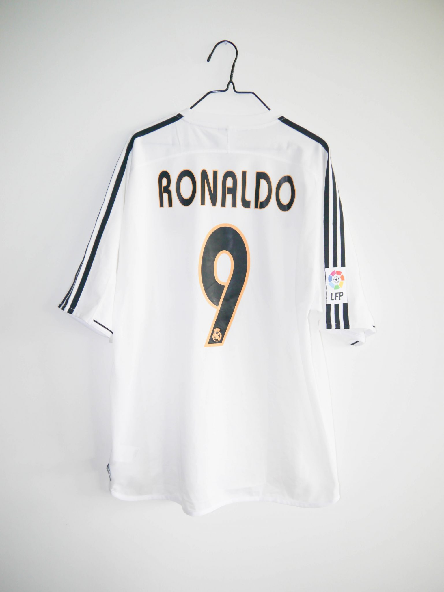 huge selection of fb6f1 40ca3 Original 2003-04 Real Madrid home jersey *BNWT* #9 RONALDO - XL